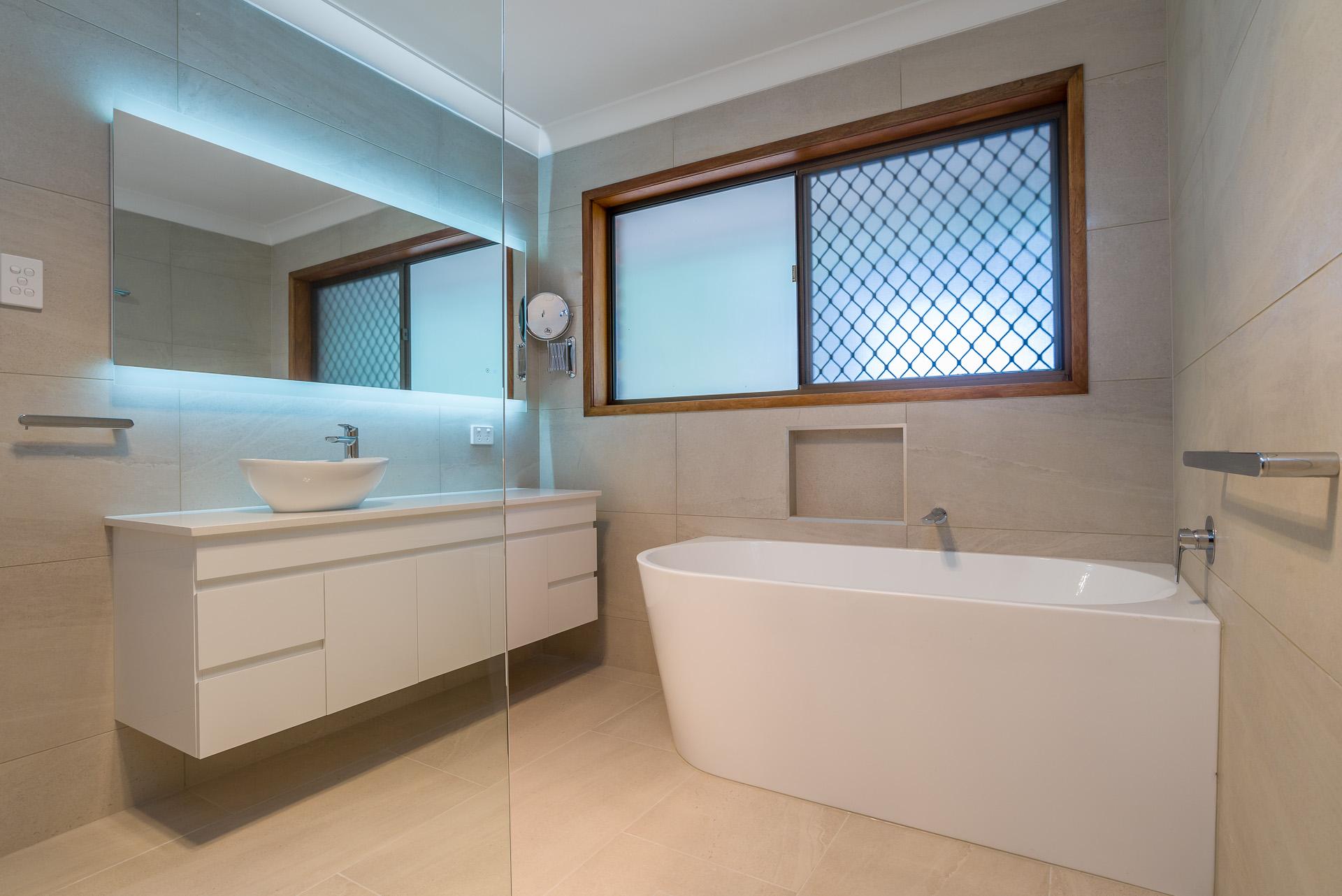 river city constructions bathroom bath tub
