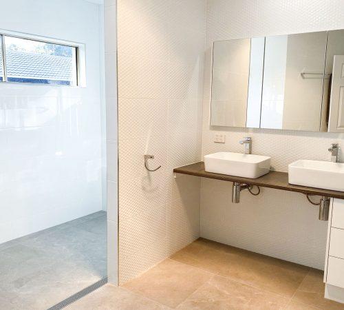 arana hills bathroom builder